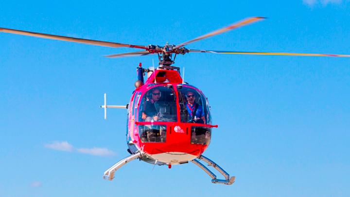Είδα τον Μαραθώνα… ανάποδα με ελικόπτερο Red Bull