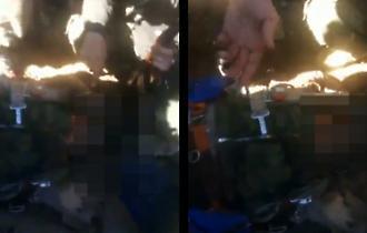 Βίντεο-ΣΟΚ με Σύριους να πανηγυρίζουν πάνω από τον νεκρό ρώσο πιλότο