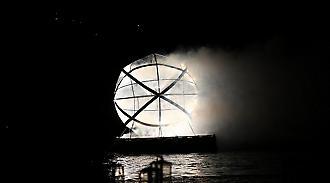 Η φλεγόμενη μπάλα στη θάλασσα και ο δαφνοστεφανωμένος Σταμάτης