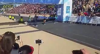 Ο τερματισμός του Μερούση στον 34ο Αυθεντικό Μαραθώνιο της Αθήνας