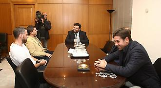 Οι διεθνείς του 2004 στο γραφείο του Υφυπουργού Γιώργου Βασιλειάδη