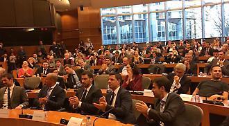 Άρωμα Euro 2004 στο Ευρωπαϊκό Κοινοβούλιο