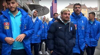 Ο περίπατος της Εθνικής στο Ζάγκρεμπ (video)