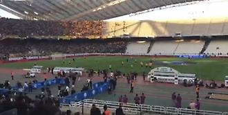 Η είσοδος των παικτών του ΠΑΟΚ στον αγωνιστικό χώρο για ζέσταμα