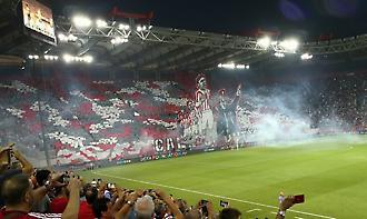 Το εντυπωσιακό κορεό και το σεντόνι του Champions League στο «Γ. Καραϊσκάκης»
