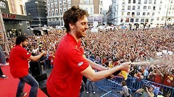 «Χρυσή» υποδοχή στην Ισπανία! (pics+vid)