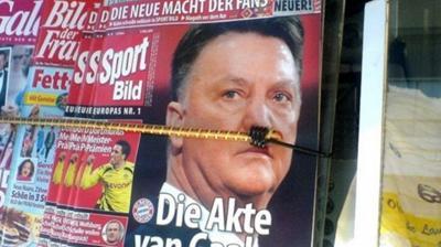 Με το ζόρι… Χίτλερ ο Φαν Γκάαλ!