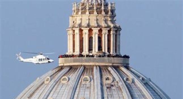 Αποχώρησε από το Βατικανό ο πάπας Βενέδικτος