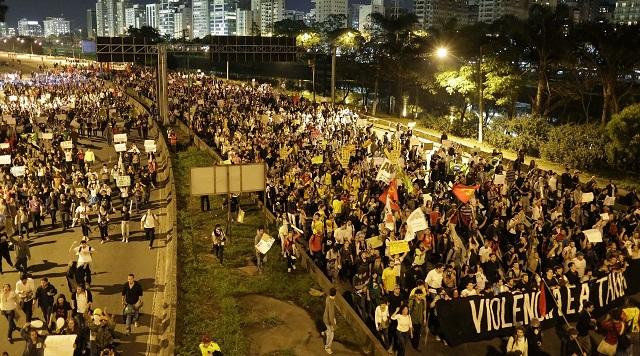 Καμία αναβολή στο Confederations λόγω διαδηλώσεων!