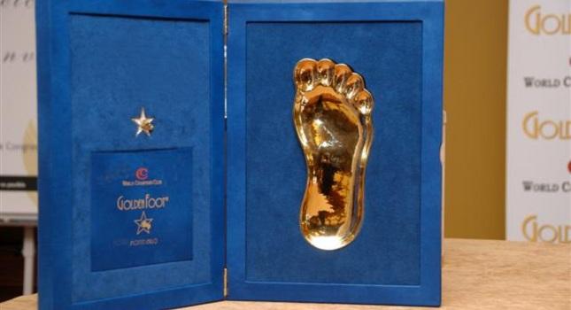 Οι υποψήφιοι για το «Golden Foot»