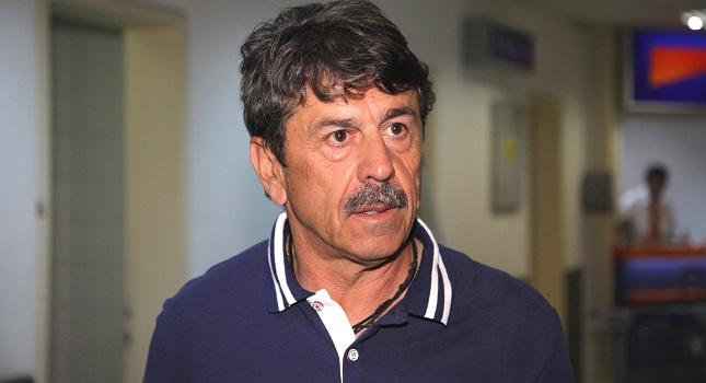 Πετράκης: «Όχι να ανεβαίνουμε μαζεμένα τα σκαλοπάτια»