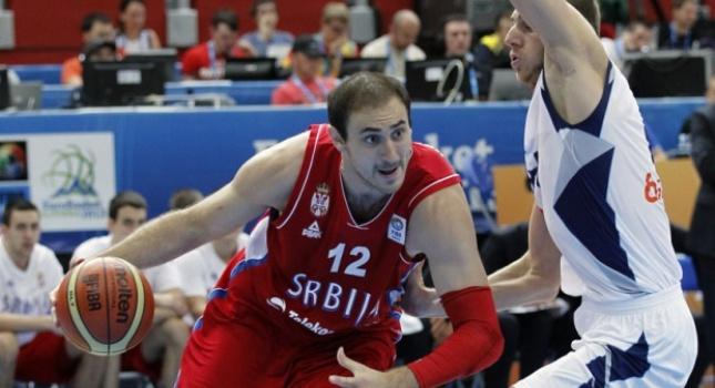 «Τρώει» σίδερα η Σερβία