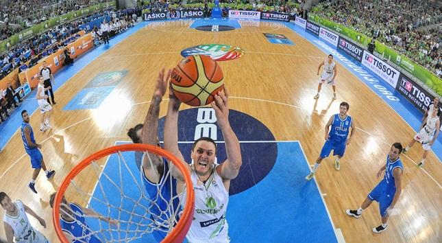 Νάχμπαρ: «Η χθεσινή νίκη θα δώσει φτερά στους Έλληνες»
