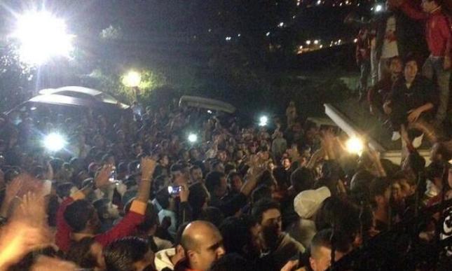 Συγκλονιστική στήριξη στον Φατίχ Τερίμ (pics)