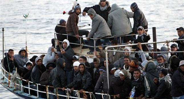 «Θρίλερ» στην Πύλο με 120 λαθρομετανάστες