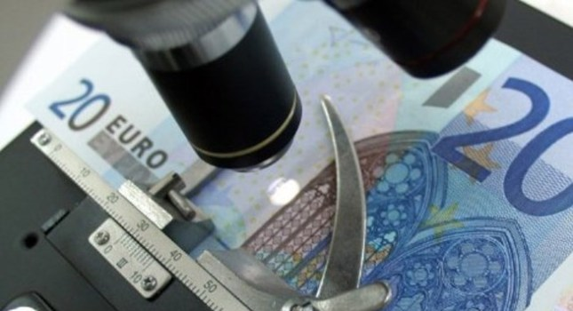 Γέμισαν οι αγορές με πλαστά χαρτονομίσματα ευρώ