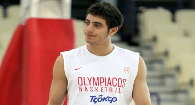 Ντεμπούτο Χριστοδούλου με Ολυμπιακό