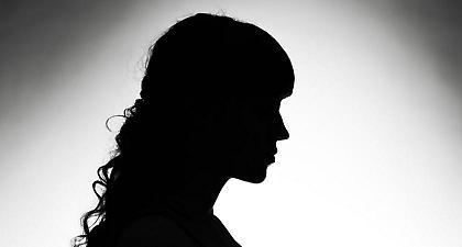 Αναλύουμε τα κόλπα της σπείρας γυναικών που «ξάφριζε» ανυποψίαστους πολίτες