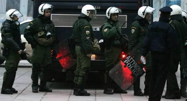 «Ντου» της Αστυνομίας σε συνδέσμους και σπίτια