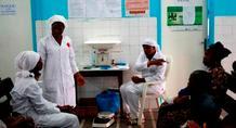 Θεραπεύτηκαν από τον Έμπολα με πειραματικό φάρμακο δύο γιατροί