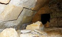 Τέταρτη πύλη πίσω από τα σκαλιά στον τάφο της Αμφίπολης