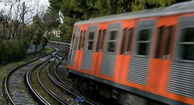 Νεκρή η ηλικιωμένη γυναίκα που έπεσε στις γραμμές του τρένου