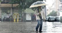 Με βροχές στις κάλπες οι ψηφοφόροι