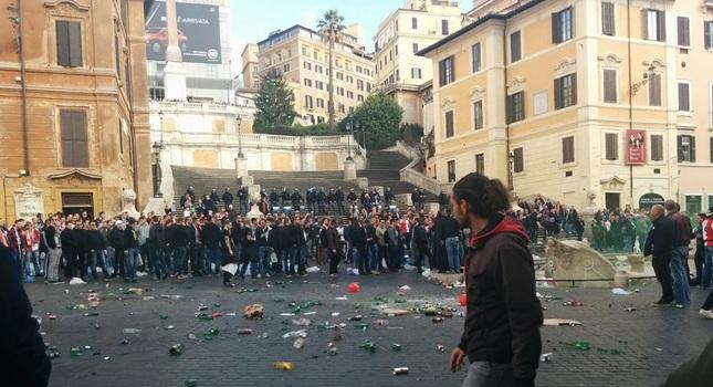 Πεδίο μάχης λόγω Φέγενορντ οι πλατείες της Ρώμης (pics)