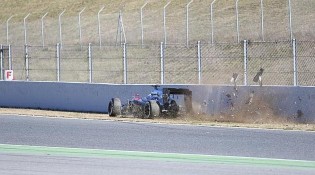 Ατύχημα ο Αλόνσο στις δοκιμές (pics)