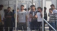 Δίνουν «ελευθέρας» στους παράνομους μετανάστες