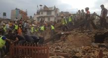 Τουλάχιστον 1.130 οι νεκροί από τον σεισμό στο Νεπάλ