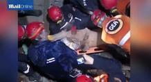 Νεπάλ: Συγκλονιστικό βίντεο από διάσωση - Άντεξε δύο ημέρες κάτω από ερείπια!