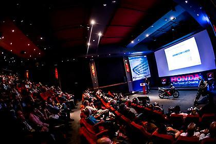 Το νέο Supra-X 125 Helmin στο συνέδριο της Honda