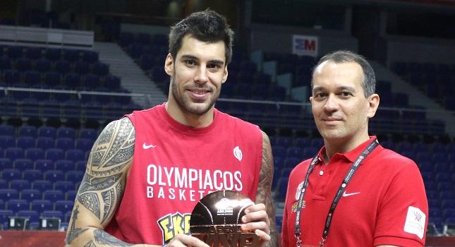 Αγγελόπουλος: «Μιλάμε για άθλο του Ολυμπιακού»