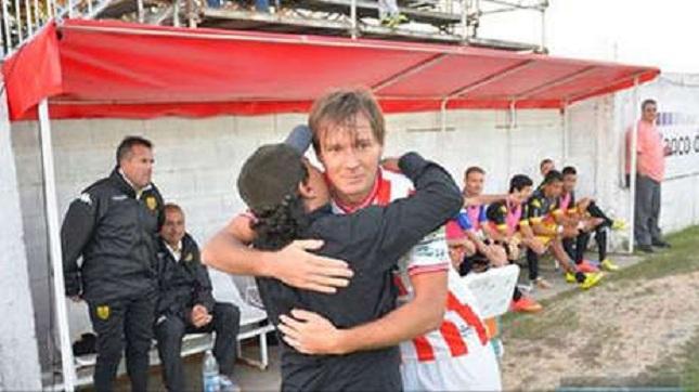 «Έσβησε» στο γήπεδο Αργεντινός παίκτης (video)