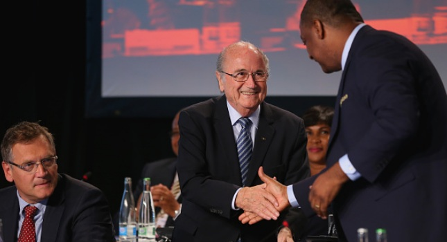 «Δεν θα επιτρέψουμε να σέρνεται η FIFA»