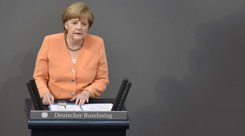 Μέρκελ: Καμιά συζήτηση πριν το δημοψήφισμα