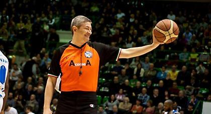 Διαιτητής από το... 2007 στο Ελλάδα-Ισπανία