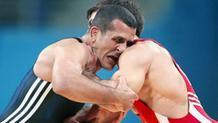 Επιστρέφει στα ταπί ο Ολυμπιονίκης, Αρτιόμ Κιουρεγκιάν