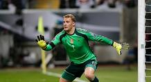 Nόιερ: «Θα συνεχίσω και μετά το EURO 2016»