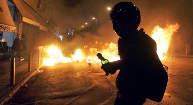 Τρεις συλλήψεις για την επίθεση στον σύνδεσμο του ΠΑΟΚ