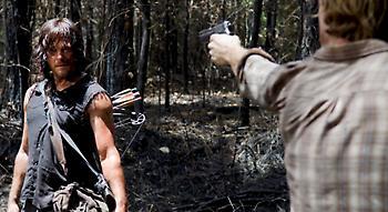 Πέντε θεωρίες για το ποιος μίλησε στον ασύρματο στο τέλος του Walking Dead