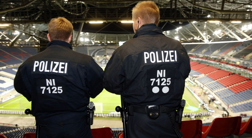 Ματαιώθηκε το Γερμανία-Ολλανδία, εκκενώθηκε το γήπεδο!