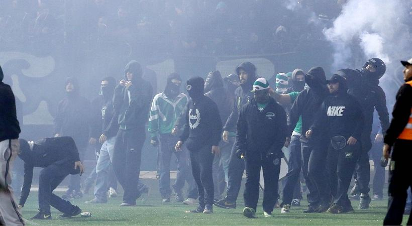 ΧΑΟΣ στη Λεωφόρο: Εισβολή οπαδών στον αγωνιστικό χώρο! (pics)