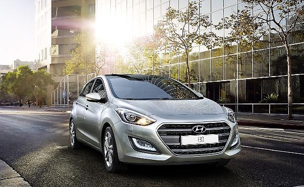 Ολόφρεσκο Hyundai i30 με νέα μοτέρ και πλούσιο εξοπλισμό