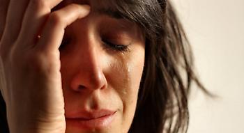 Οι γυναίκες κλαίνε με το παραμικρό: Αυτοί είναι μερικοί μόνο από τους λόγους