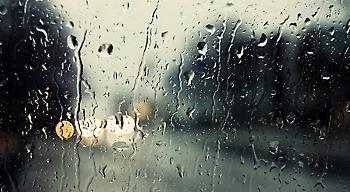 Ξανά καταιγίδες την Παρασκευή – Σε ποιες περιοχές θα χιονίσει