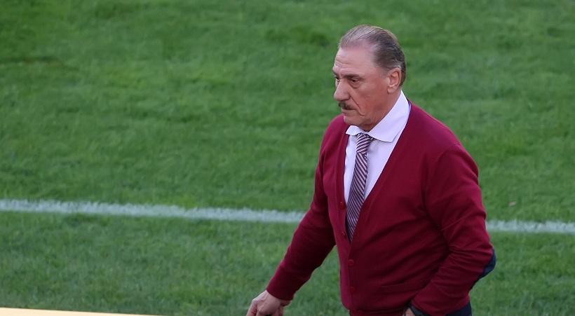 Μαντζουράκης: «Η ΑΕΚ έπαιζε λόγω του διαιτητή με παίκτη παραπάνω απ' το πρώτο λεπτό»