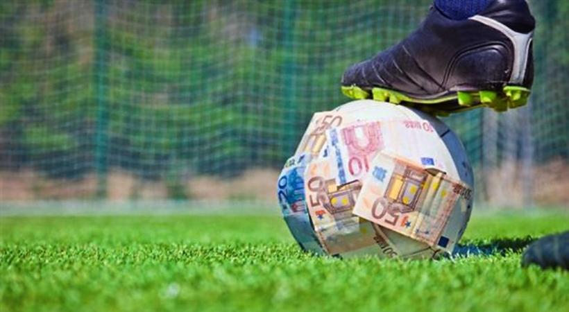 «Άκρες» και στο ποδόσφαιρο η σπείρα των εκβιαστών