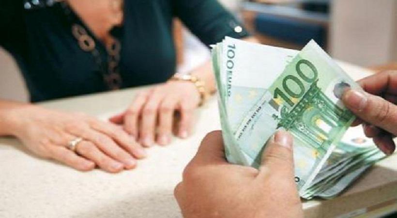 Τρία «αιματηρά» σενάρια για τις συντάξεις ρίχνουν οι δανειστές